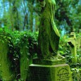 The most famous legend coming from the very creepy Highgate Cemetery in London, England is that of the Highgate Vampire, which was said to be responsible for attacks from 1967 to 1984. In this video, a self-proclaimed bishop — the Right Reverend Sean Manchester — says he took on this […]